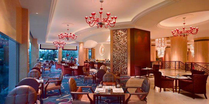 Interior of The Rose Veranda in Shangri-La Hotel in Orchard, Singapore