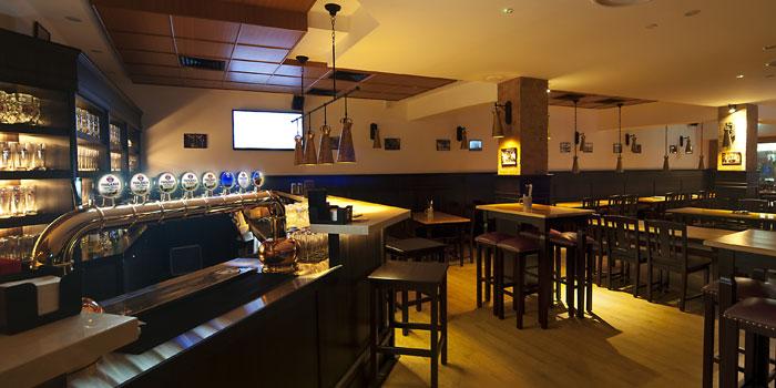 Image of Big Bar at Paulaner in Clarke Quay, Singapore