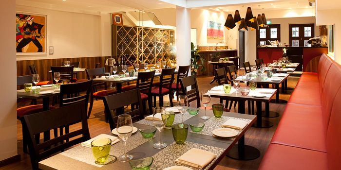 Image of the seating at Burlamacco Ristorante on Stanley Street in Telok Ayer, Singapore