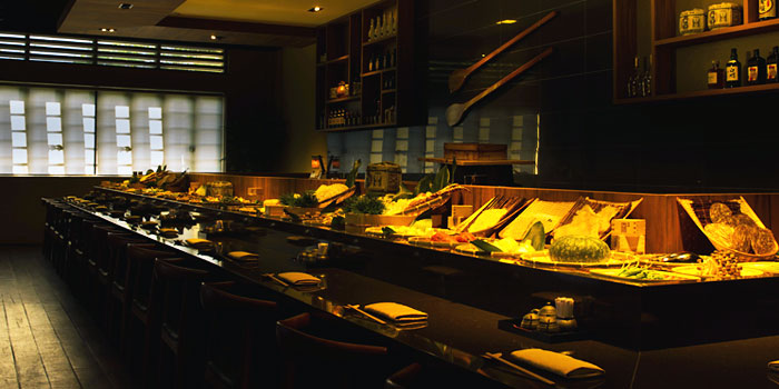 Sushi Counter in Tamashii Robataya on North Canal Road in Boat Quay, Singapore