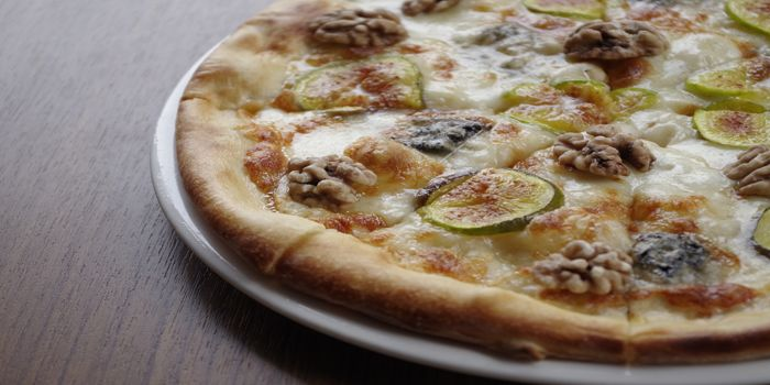 Pizza with chestnut and lime slices, DiVino Patio, Brim 28, Wan Chai, Hong Kong