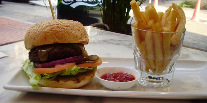 Cheeseburger, fries, pickles, The Cottage Gastropub, Sheung Wan, Hong Kong