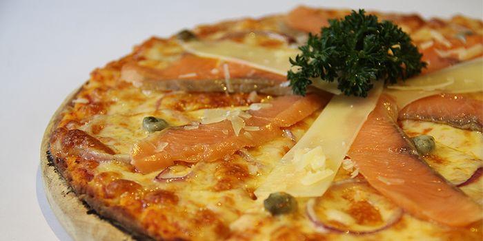 Pizza Salmone, Italian Cuisine, Sai Ying Pun, Hong Kong