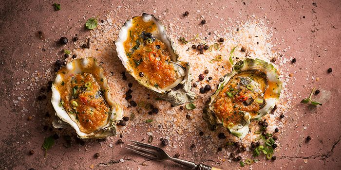 Freshly Baked Shucked Oysters from fȳr in Raffles Place, Singapore