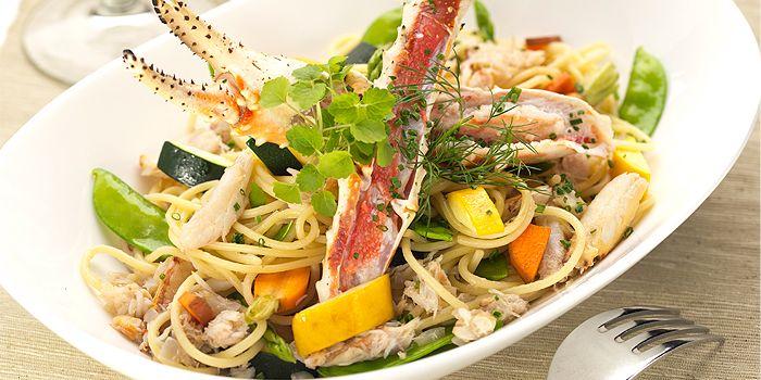 Alaska King Crab with White Wine Coco Lemongrass Sauce, La Parole, Sheung Wan, Hong Kong