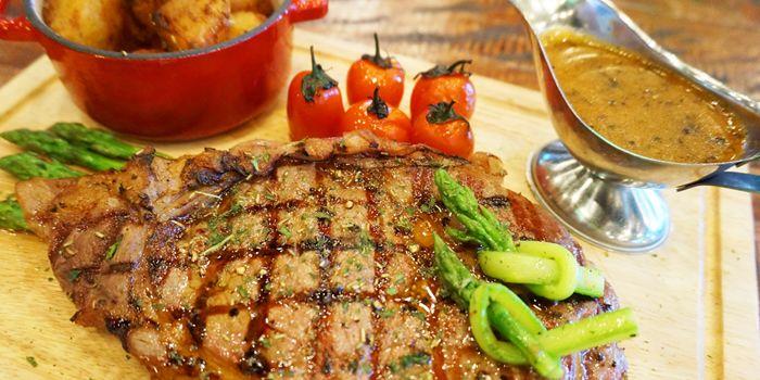 Sirloin Steak, Trafalgar English Pub, Wan Chai, Hong Kong