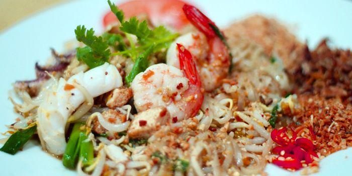 Phad Thai from Rattana Thai Restaurant in Tanjong Pagar, Singapore