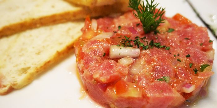 Tuna Tartare with Garlic Bread, Le Paradis, Tsim Sha Tsui, Hong Kong