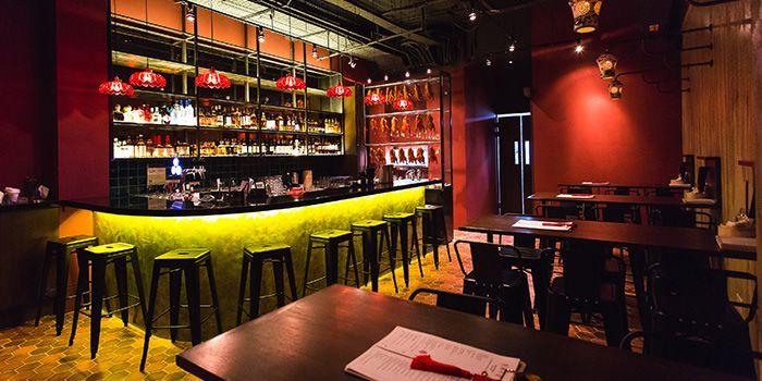 Interior of Sum Yi Tai (Tapas Bar) in Raffles Place, Singapore