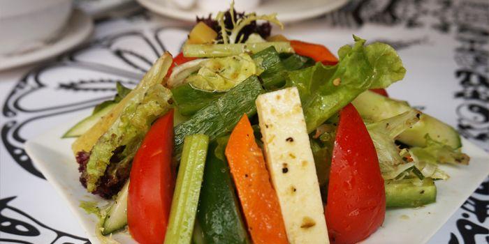 Salad Durbaria with Cottage Cheese and Himalayan Dressing, Nepal Restaurant & Bar, Soho, Hong Kong