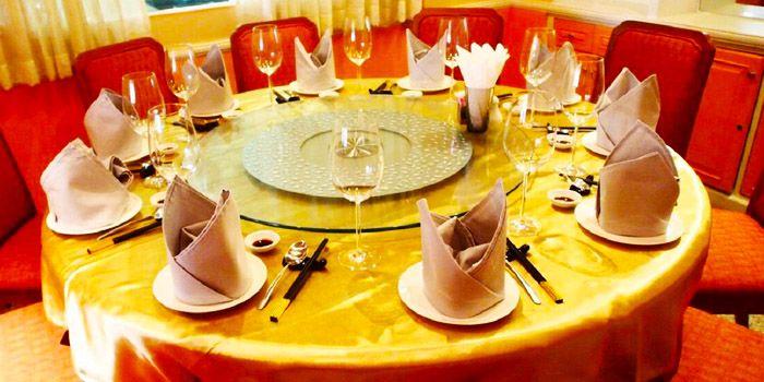 Table Set from Empire Dining at Thaniya Plaza on Silom Road