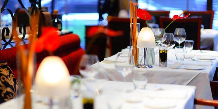Table Set of Gianni Ristorante in Ploenchit, Bangkok