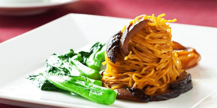 Noodle from Bai Yun at Banyan Tree Bangkok in Sathorn, Bangkok