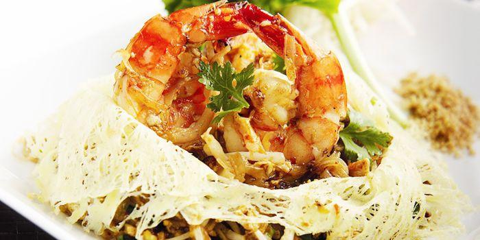 Pat Thai from Flavors at Renaissance Bangkok Ratchaprasong Hotel in Ploenchit, Bangkok