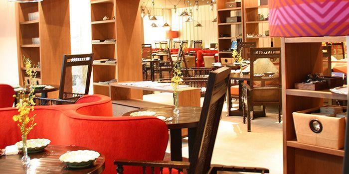 Dining Area from Erawan Tea Room Restaurant at Grand Hyatt Erawan, Bangkok