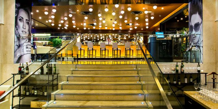 Bar of Volti Ristorante & Bar at Shangri-La Hotel, Bangkok