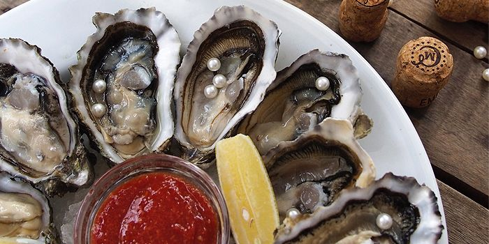 Fresh Oysters from Bar·Celona in Duxton Hill, Singapore