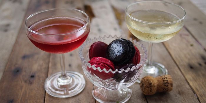 Macaroon with Sweet Drinks from Bar·Celona in Duxton Hill, Singapore