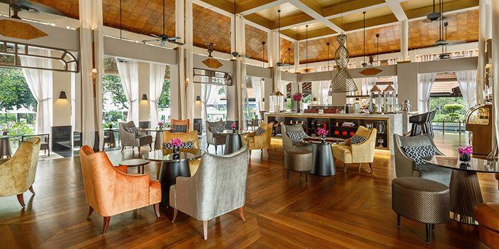 Interior of LeBar at Sofitel Singapore Sentosa Resort & Spa in Sentosa, Singapore