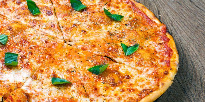 Margherita Pizza from Volti Ristorante & Bar at Shangri-La Hotel, Bangkok