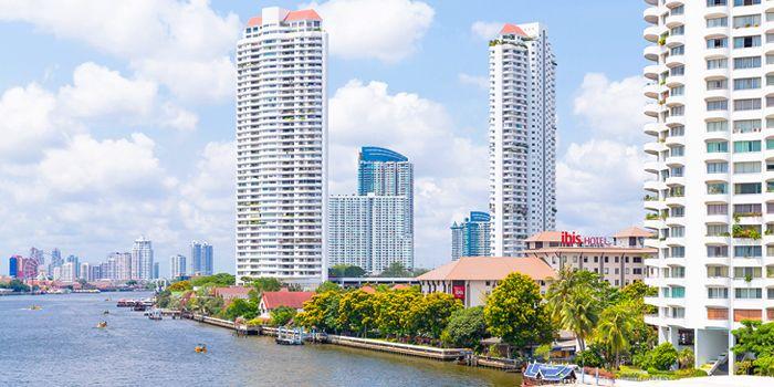 View from TASTE Restaurant at Hotel ibis Bangkok Riverside on Charoen Nakorn Soi 17, Bangkok