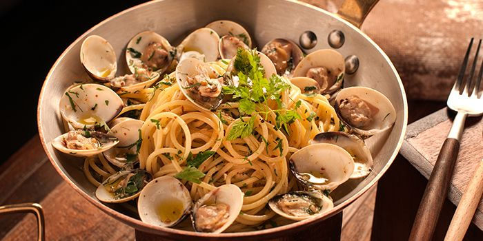 Spaghetti Alle Vongole from Waterfall Ristorante Italiano in Shangri-La Hotel at Tanglin, Singapore