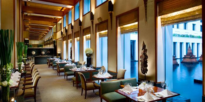 Dining Tables form Colonnade at The Sukhothai Bangkok in Sathorn, Bangkok
