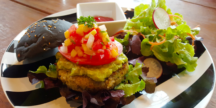 Broccoli Burger with Salad from Broccoli Revolution in Thonglor, Bangkok
