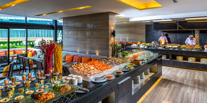 Buffet Line from Zeta Cafe at Holiday Inn Sukhumvit, Bangkok