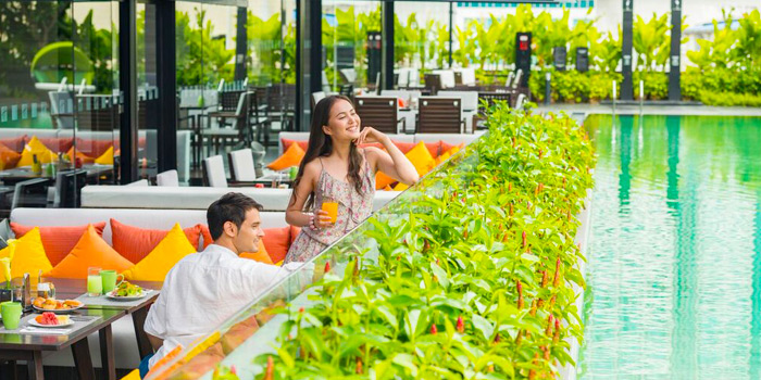 Dining Area from Zeta Cafe at Holiday Inn Sukhumvit, Bangkok