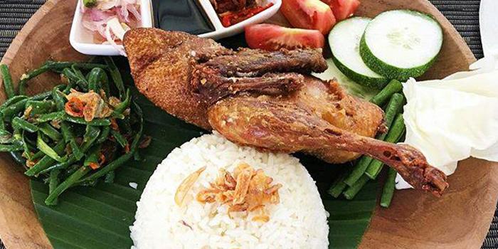 Crispy Duck from The Restaurant Trans Resort in Seminyak, Bali