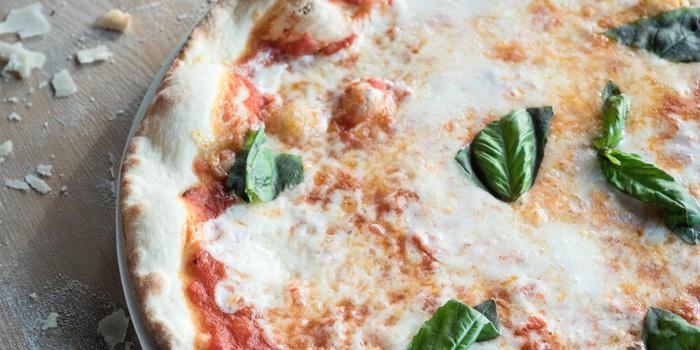 Mozzarella And Basil Pizza with Tomato Sauce, Gia Trattoria Italiana, Wan Chai, Hong Kong