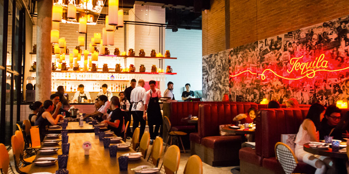 Atmosphere from Touché Hombre in Thonglor, Bangkok
