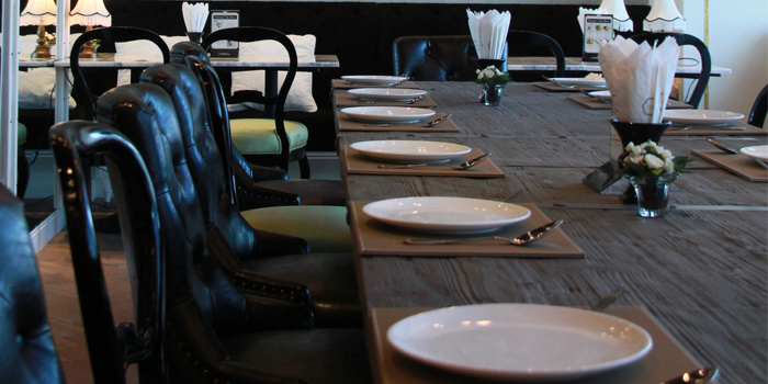 Dining Table from Audrey Cafe Glamour at Central Embassy, Bangkok
