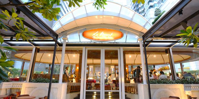 Exterior of Le Boeuf at Marriott Mayfair Hotel in Langsuan, Bangkok