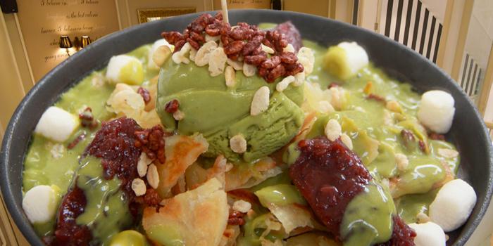 Green Tea Sizzling Roti from Audrey Cafe Glamour at Central Embassy, Bangkok