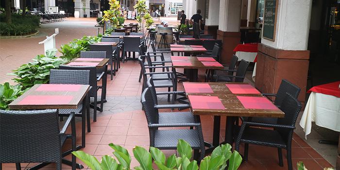 Exterior of Mondo Mio Italian Restaurant & Bar in Robertson Quay, Singapore