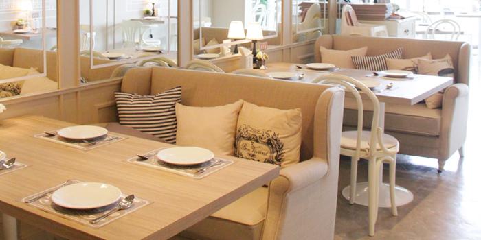 Table Set from Kelly by Audrey Esplanade Ratchada, Bangkok