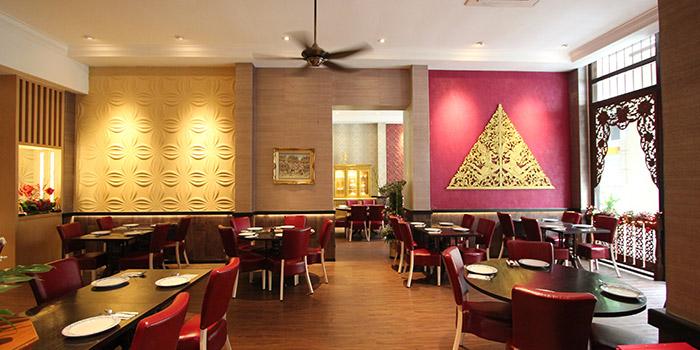 Dining Area of Yhingthai Palace Restaurant in Bugis, Singapore