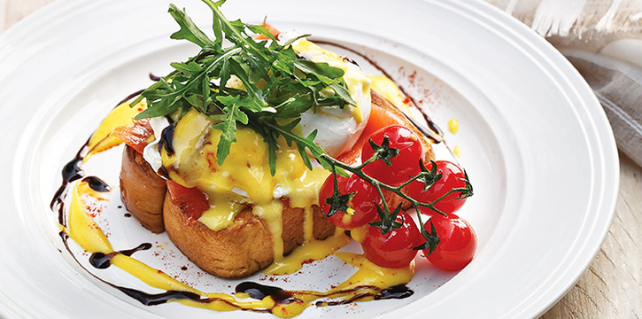 Egg Benedict from District 10 in UE Square in Robertson Quay, Singapore