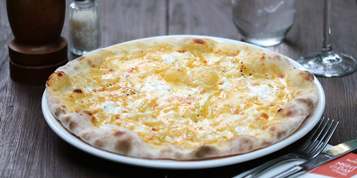 Mac & Cheese Pizza from Da Paolo BistroBar at Rochester Park, Singapore