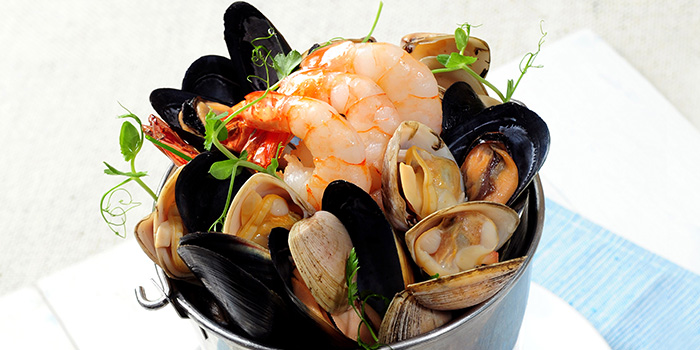 Bucket of Fresh Seafood, The Boathouse, Stanley, Hong Kong