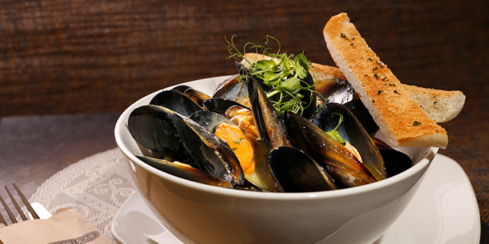 Sauteed Black Mussels, Pickled Pelican, Stanley, Hong Kong