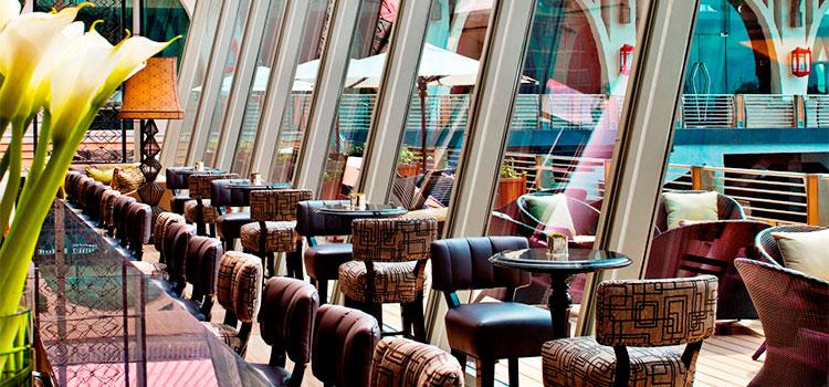 Bar Seating of The Landing Point in Fullerton Bay Hotel, Singapore