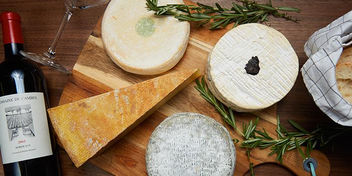 Cheese Platter from 13% Wine Bistro @ Aliwal in Bugis, Singapore