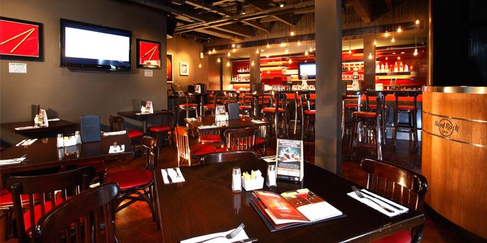 Dining Area from Hard Rock Cafe Bangkok in Siam Square Soi 11, Bangkok
