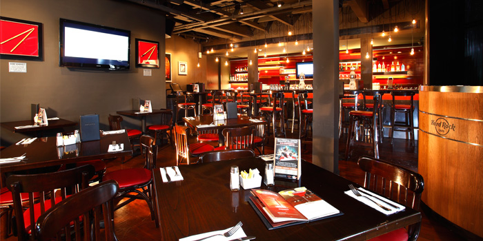 Dining Area from Hard Rock Cafe Bangkok in Siam Square Soi 11, Bangkok