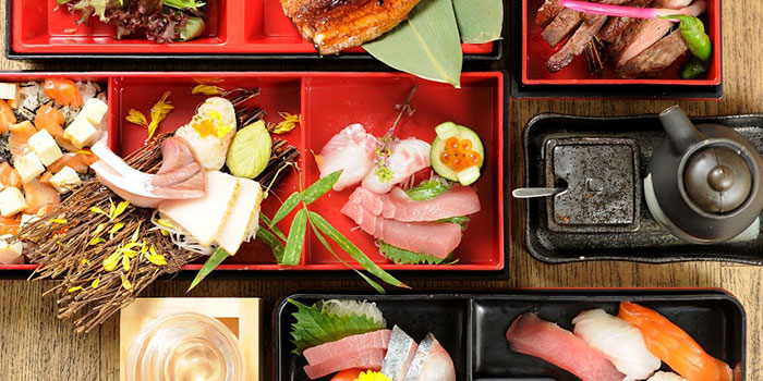 Food Spread from MARUKYU  at Telok Ayer in Raffles Place, Singapore.