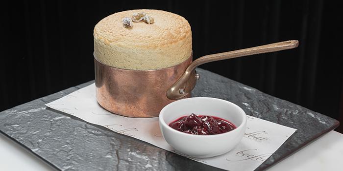 Pistachio soufflé, Beefbar, Central, Hong Kong