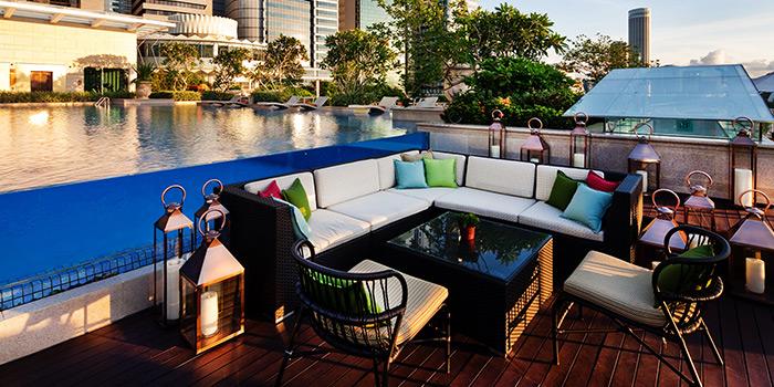 Pool Seating of Lantern at Fullerton Bay Hotel in Raffles Place, Singapore